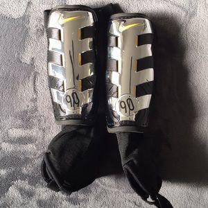 Nike T90 Forza shinguards